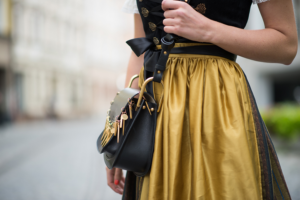 Fashionblog-Fashionblogger-Fashion-Blog-Blogger-Lifestyle-Wiesn-Tracht-Dirndl-Linda-Lindarella-München-Deutschland-7-web