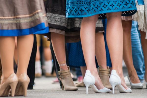 Fashionblog-Fashionblogger-Fashion-Blog-Blogger-München-Deutschland-Wiesn-Oktoberfest-Dirndl-selbstgegnäht-Lindarella-Linda-Rella-1-2
