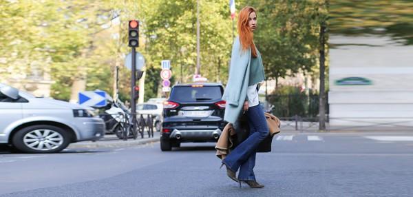 Fashionblog-Fashionblogger-Blog-Blogger-Fashion-Lifestyle-Lindarella-Paris-Fashion_Week-Tods-Cape-Medium-Black-AnniP-2-header