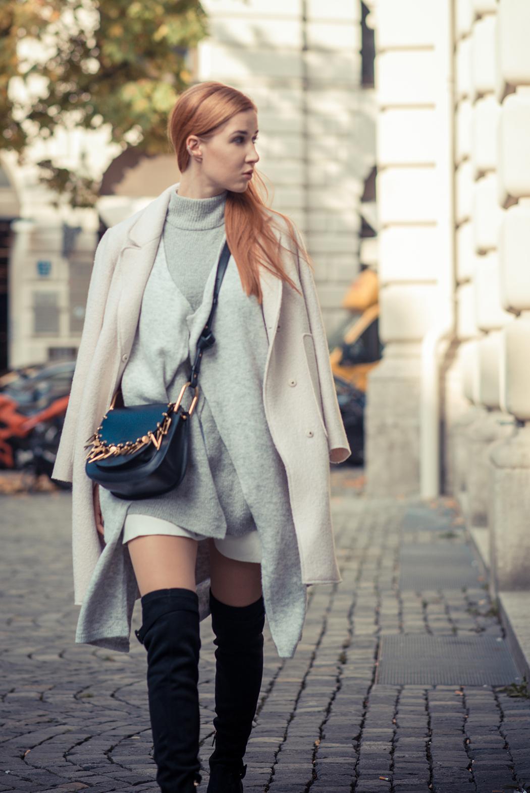 Fashionblog-Fashionblogger-Fashion-Blog-Blogger-Lifestyle-München-Deutschland-Munich-Germany-Streetstyle-Lagenlook-Chloe-Hudson-Embellished-Overknees-schwarz-1-web