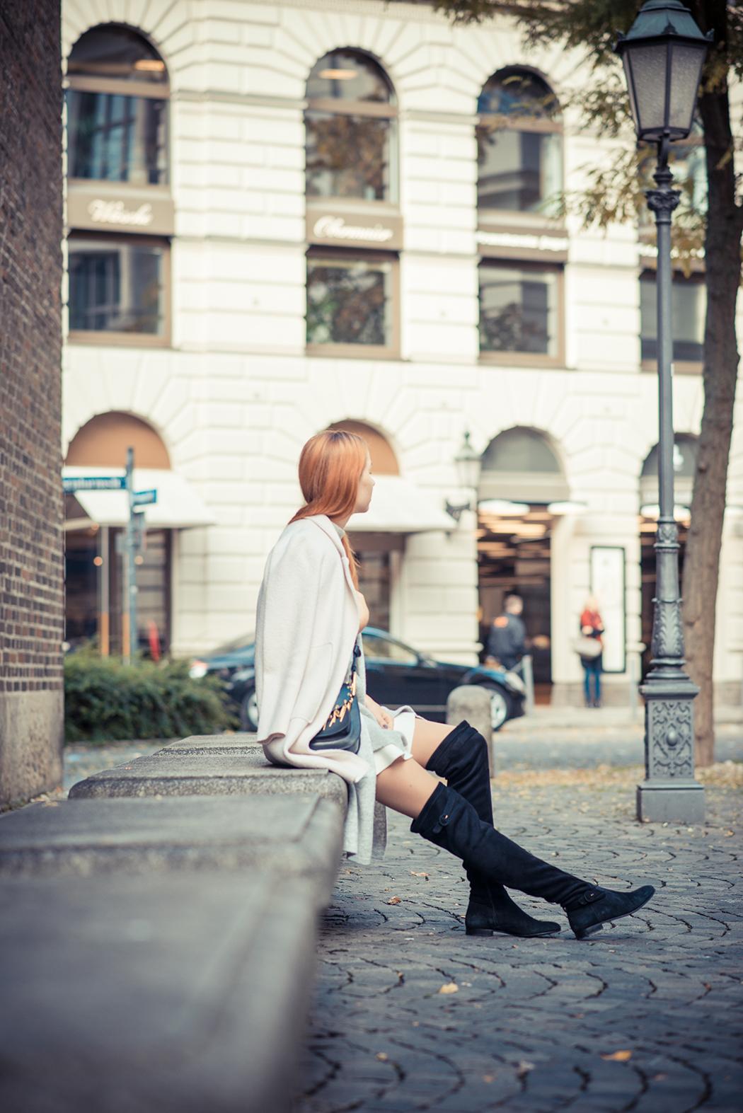 Fashionblog-Fashionblogger-Fashion-Blog-Blogger-Lifestyle-München-Deutschland-Munich-Germany-Streetstyle-Lagenlook-Chloe-Hudson-Embellished-Overknees-schwarz-11-web
