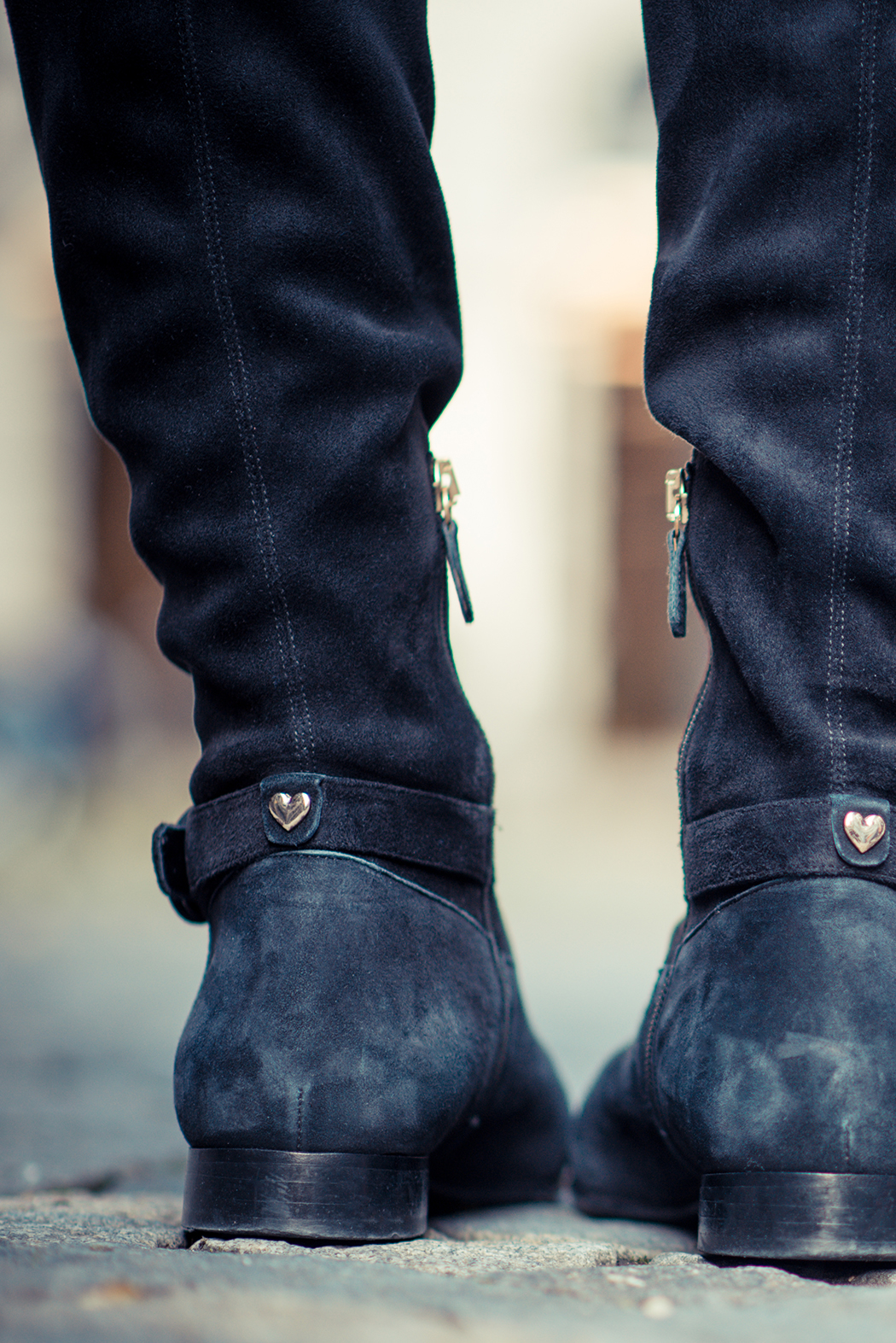 Fashionblog-Fashionblogger-Fashion-Blog-Blogger-Lifestyle-München-Deutschland-Munich-Germany-Streetstyle-Lagenlook-Chloe-Hudson-Embellished-Overknees-schwarz-13-web