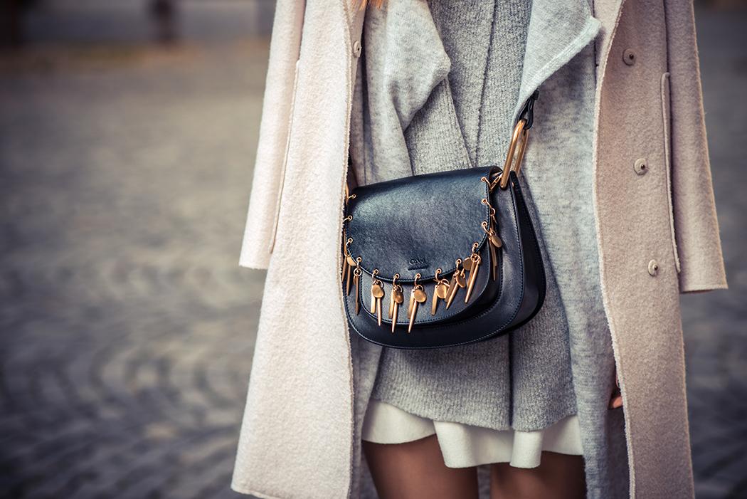 Fashionblog-Fashionblogger-Fashion-Blog-Blogger-Lifestyle-München-Deutschland-Munich-Germany-Streetstyle-Lagenlook-Chloe-Hudson-Embellished-Overknees-schwarz-7-web