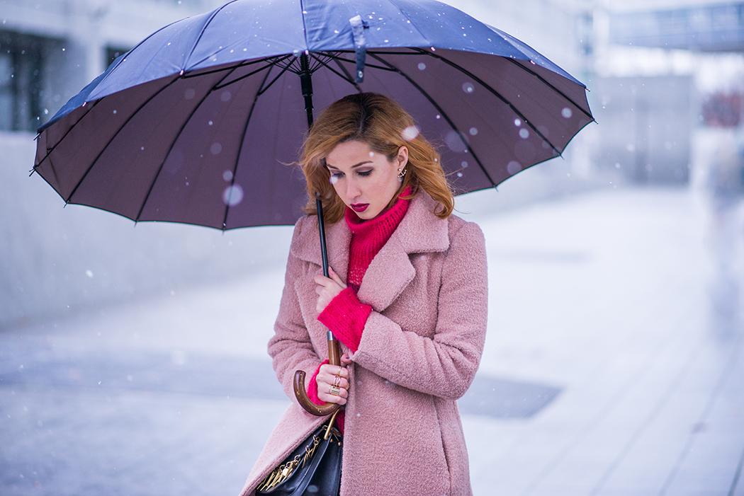 Fashionblog-Fashionblogger-Fashion-Blog-Blogger-Lifestyle-Chloe_Hudson-Twin-Set-rosa-Mantel-IRO-pink-pullover-erdbeerblond-15-web