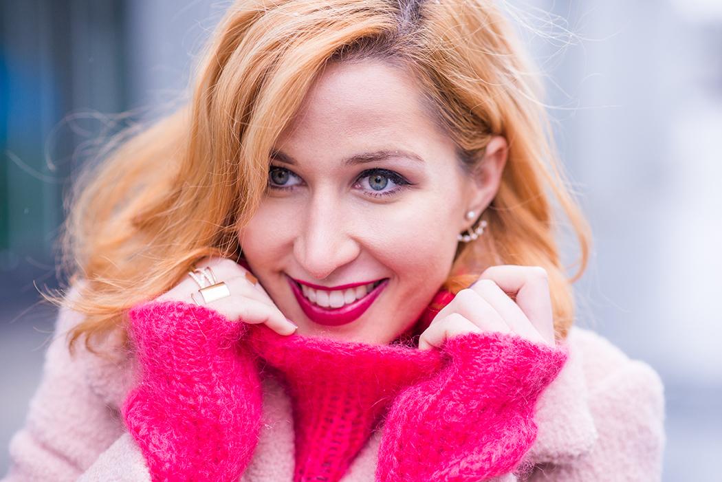 Fashionblog-Fashionblogger-Fashion-Blog-Blogger-Lifestyle-Chloe_Hudson-Twin-Set-rosa-Mantel-IRO-pink-pullover-erdbeerblond-8-web