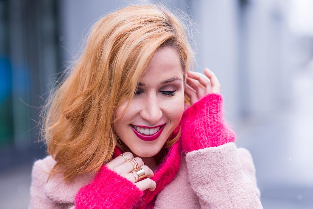 Fashionblog-Fashionblogger-Fashion-Blog-Blogger-Lifestyle-Chloe_Hudson-Twin-Set-rosa-Mantel-IRO-pink-pullover-erdbeerblond-9-web