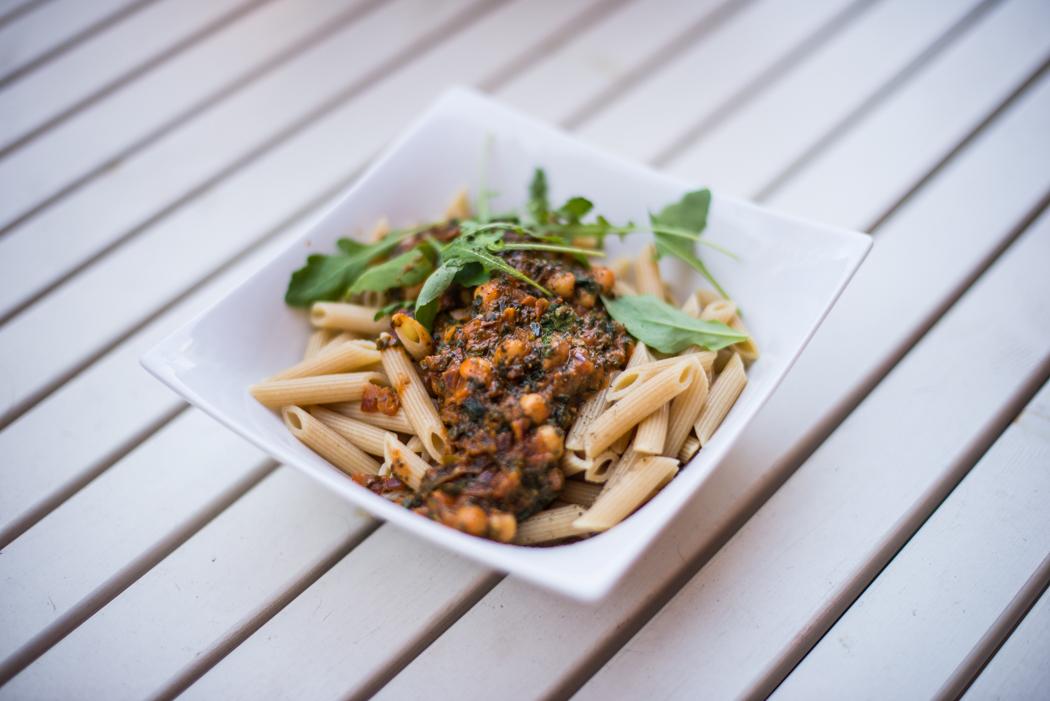 Foodblog-Foodblogger-Food-Blog-Blogger-München-Deutschland-Lindarella-Nudeln-mit-Kichererbsen-Penne-Pasta-vegan-clean-Spinat-1