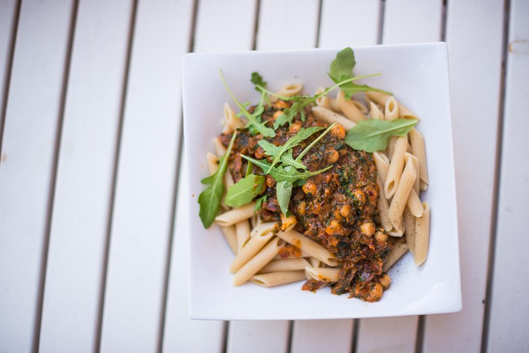Foodblog-Foodblogger-Food-Blog-Blogger-München-Deutschland-Lindarella-Nudeln-mit-Kichererbsen-Penne-Pasta-vegan-clean-Spinat-2
