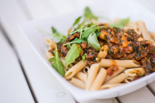 Foodblog-Foodblogger-Food-Blog-Blogger-München-Deutschland-Lindarella-Nudeln-mit-Kichererbsen-Penne-Pasta-vegan-clean-Spinat-3