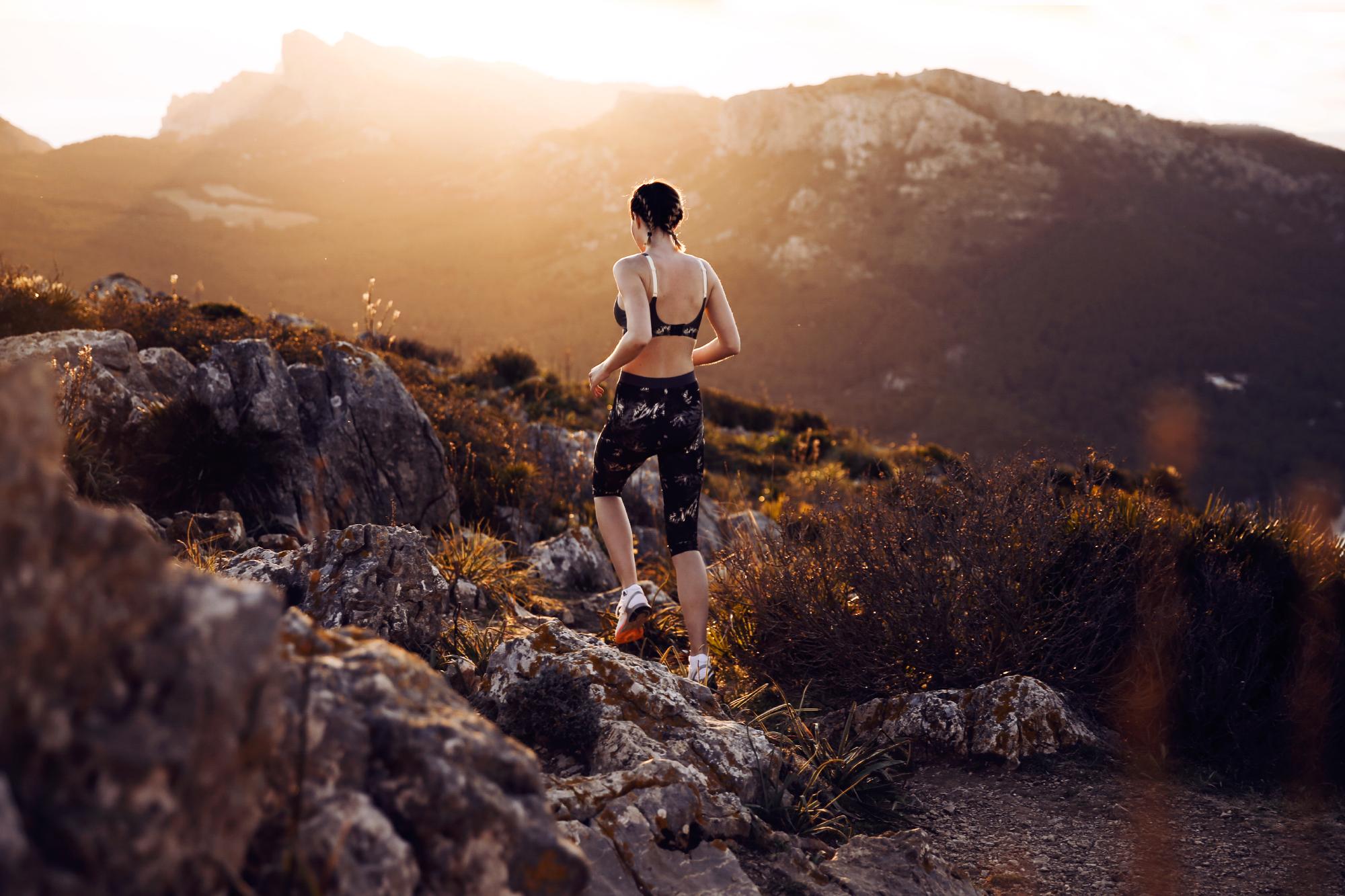 Fitnessblog-Fitnessblogger-Fitness-Blog-Blogger-Muenchen-Deutschland-Lindarella-Triumph-Triaction-Hybrid_Lite_P-Sportbh-Test-Laufen-Halt_05