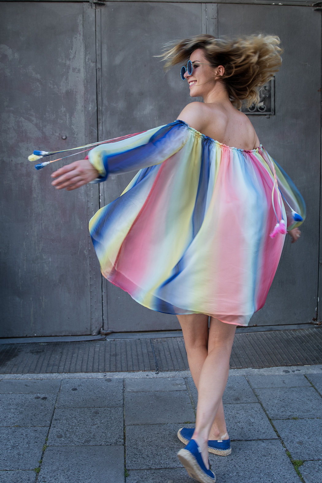 Fashionblog-Fashionblogger-Fashion-Blog-Blogger-Modeblog-Modeblogger-Mode-Rainbow-Dress-Chloe-Regenbogen-Lindarella-6