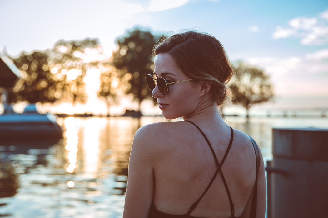 Fashionblog-Fashionblogger-Fashion-Blog-Modeblog-Mode-Muenchen-Deutschland-Lindarella-Chloe_Hudson-Gentle_Monster-Sunglasses-Sonnenbrille-verspiegelt-lila-7