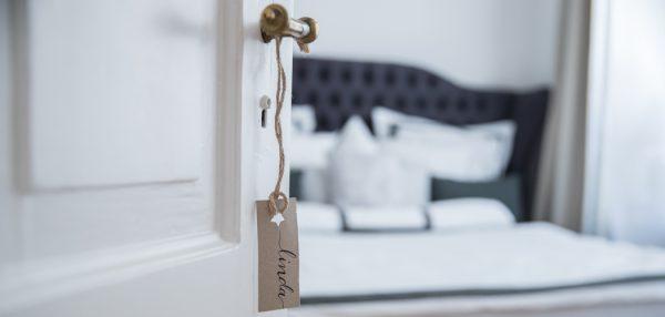 Lifestyle-Lifestyleblog-Blog-Blogger-Muenchen-Deutschland-Interior-Interieur-Schlafzimmer-begehbarer_Kleiderschrank-Lindarella-Schlafzimmer-Ankleidezimmer-1