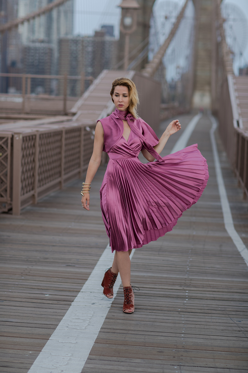 fashionblog-fashionblogger-fashion-blog-blogger-modeblog-mode-carrie-bradshaw-brooklyn_bridge-new-york-7-web