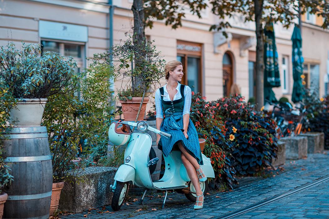 fashionblog-fashionblogger-fashion-blog-blogger-modeblog-cocovero-dirndl-oktoberfest-wiesn-helmade-2-web