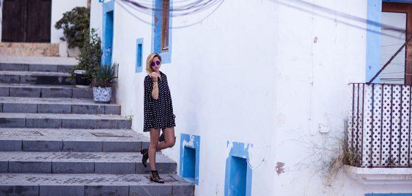 fashionblog-fashionblogger-fashion-blog-blogger-ibiza-punktekleid-chloe-susana-boots-muenchen-3-web