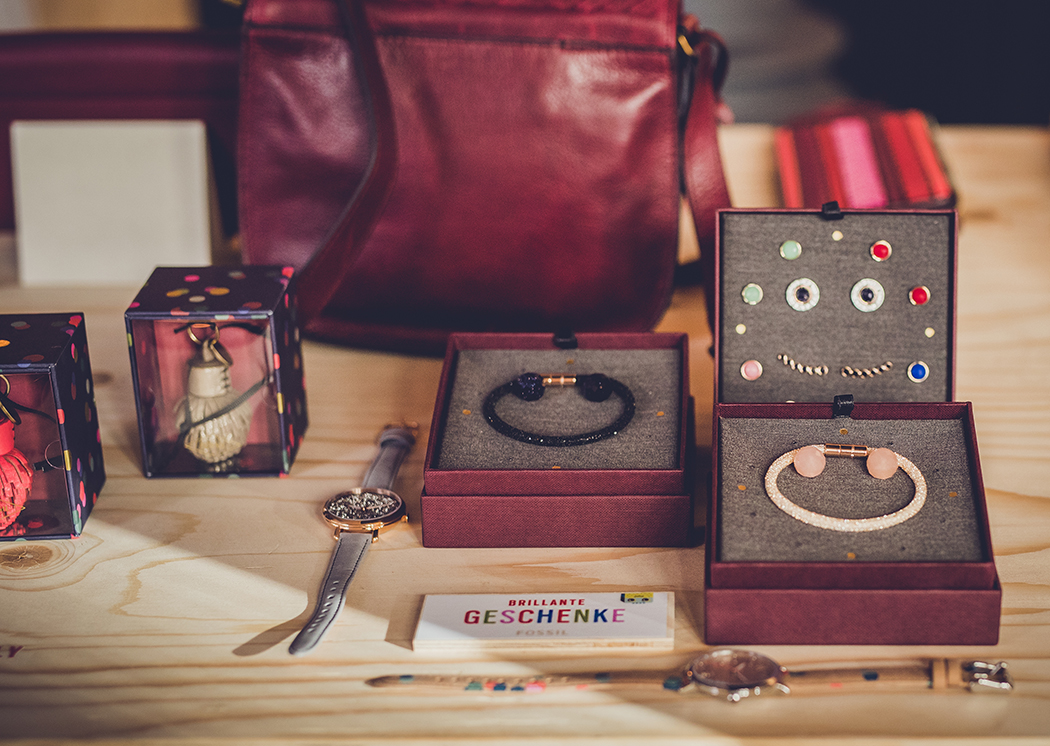 geschenkideen-schwester-freundin-mama-fossil-giftingguide-lindarella-weihnachten-3