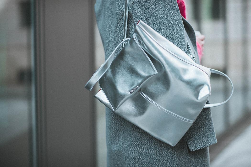 Fashionblog-Fashionblogger-Fashion-Blog-Blogger-Muenchen-Deutschland-Max-and-Co-Rucksack-silber-Lindarella-9-web
