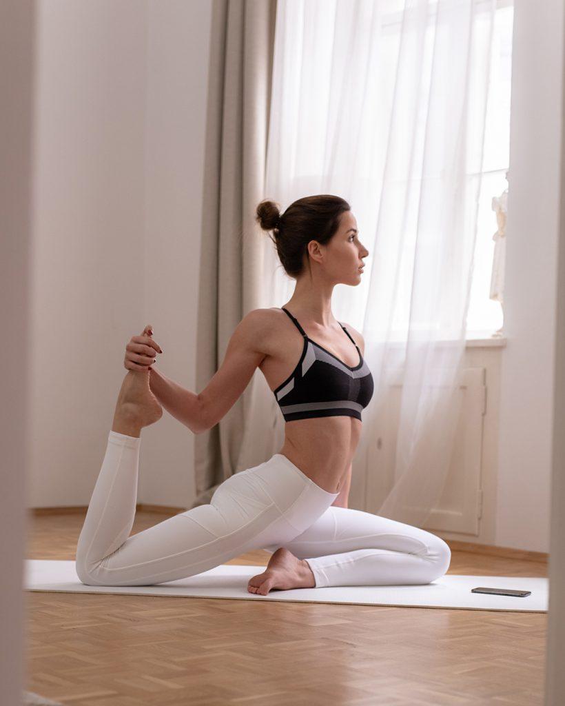 Dieses Bild hat ein leeres Alt-Attribut. Der Dateiname ist Lifestyleblog-Lifestyleblogger-Lifestyle-Blog-Blogger-My-Blossom-Review-Meditation-Yoga-App-deutsch-22-web-820x1024.jpg